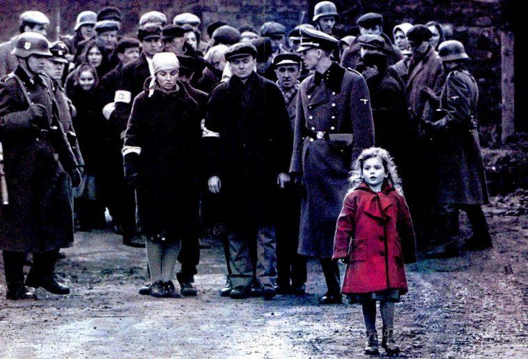bambina col cappotto rosso film