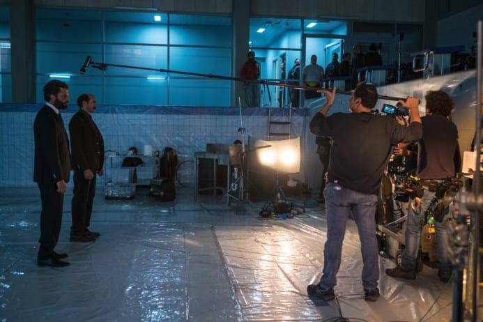 La preparazione di una scena de Il Miracolo. Foto di Antonello&Montesi.