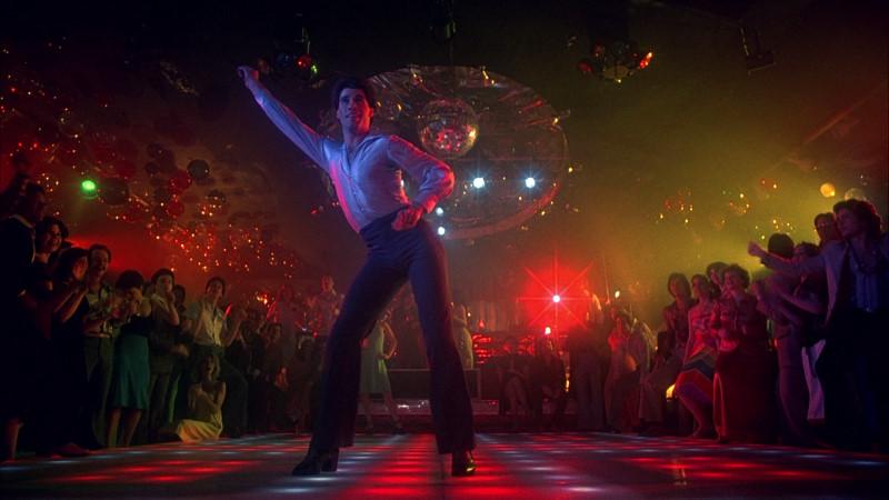 John Travolta in una scena de La febbre del sabato sera.