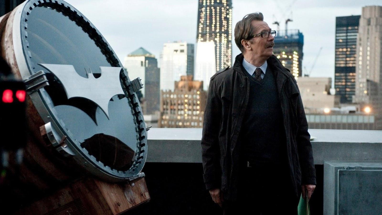 Gary Oldman in una scena di The Dark Knight.