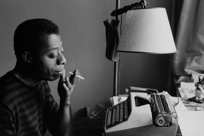 James Baldwin, un'immagine dello scrittore.