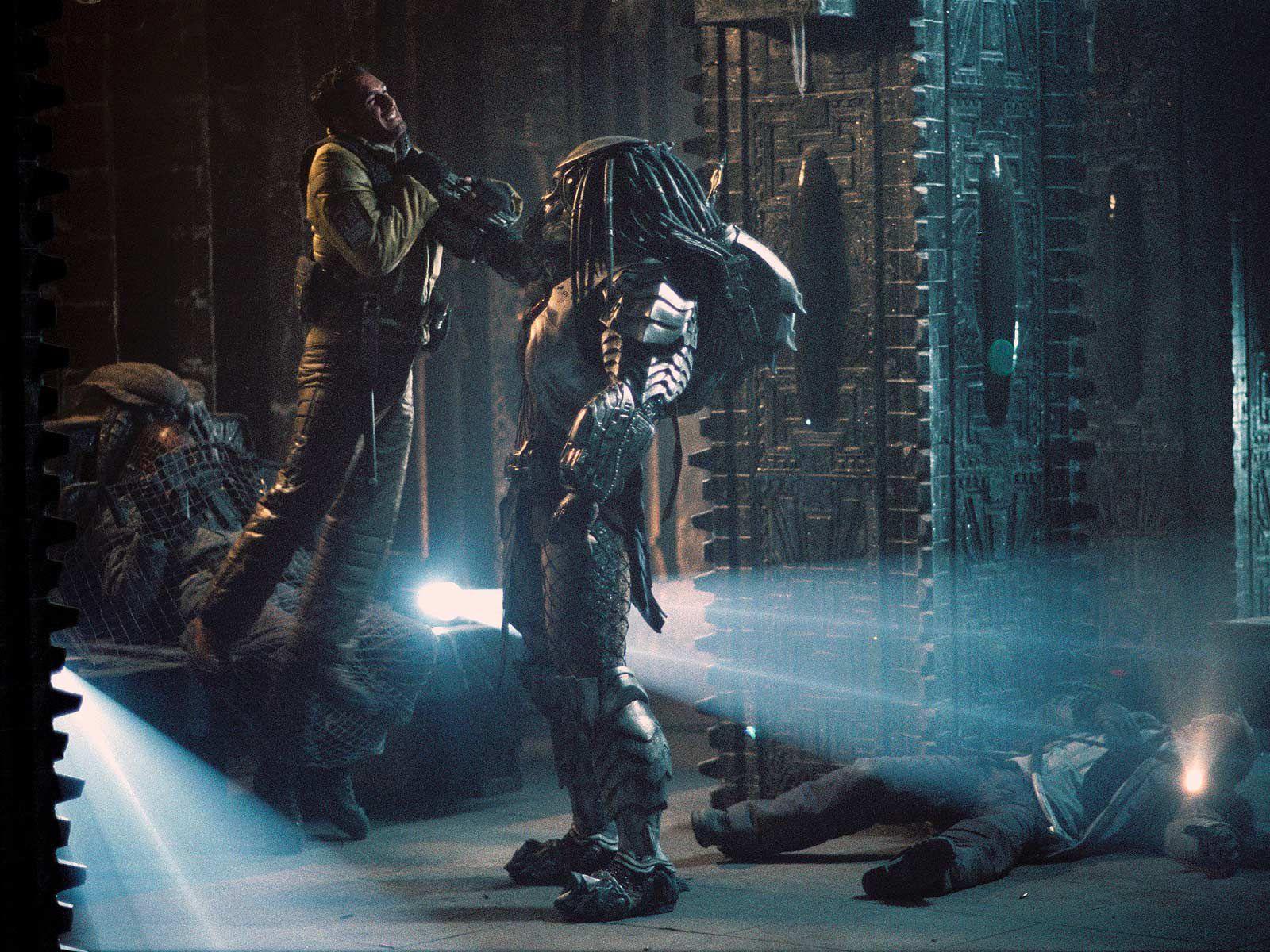 Raoul Bova Alien Predator