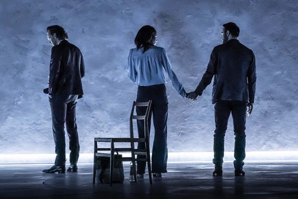 Betrayal a Broadway