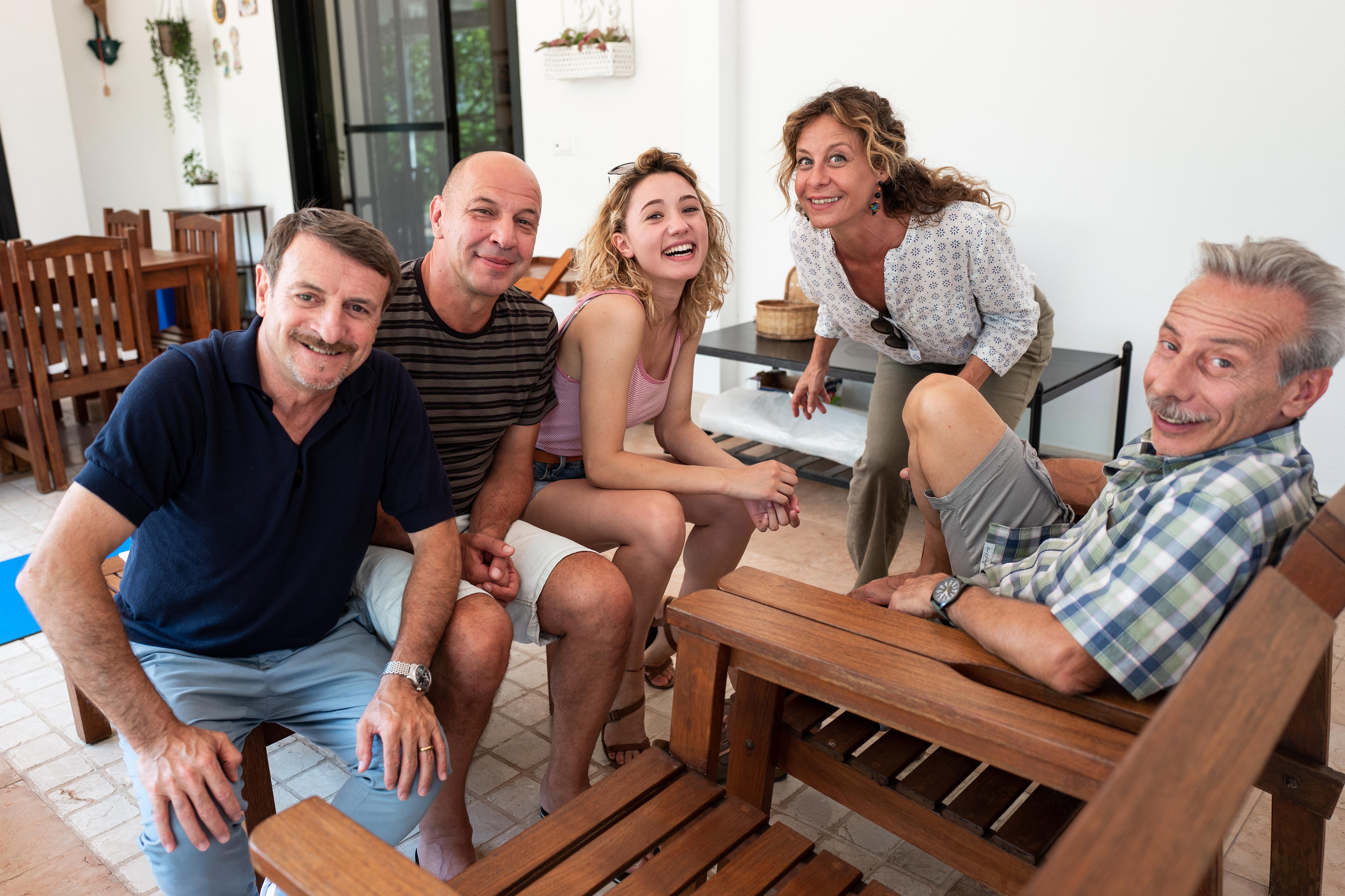 Giacomo, Aldo, Sabrina Martina, Carlotta Natoli e Giovanni. Foto di Paolo Galletta