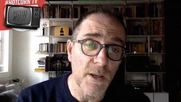 Valerio Mastandrea legge la recensione di Johnny Palomba
