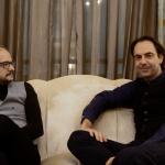 Andrea Morandi, direttore di Hot Corn, e Neri Marcorè
