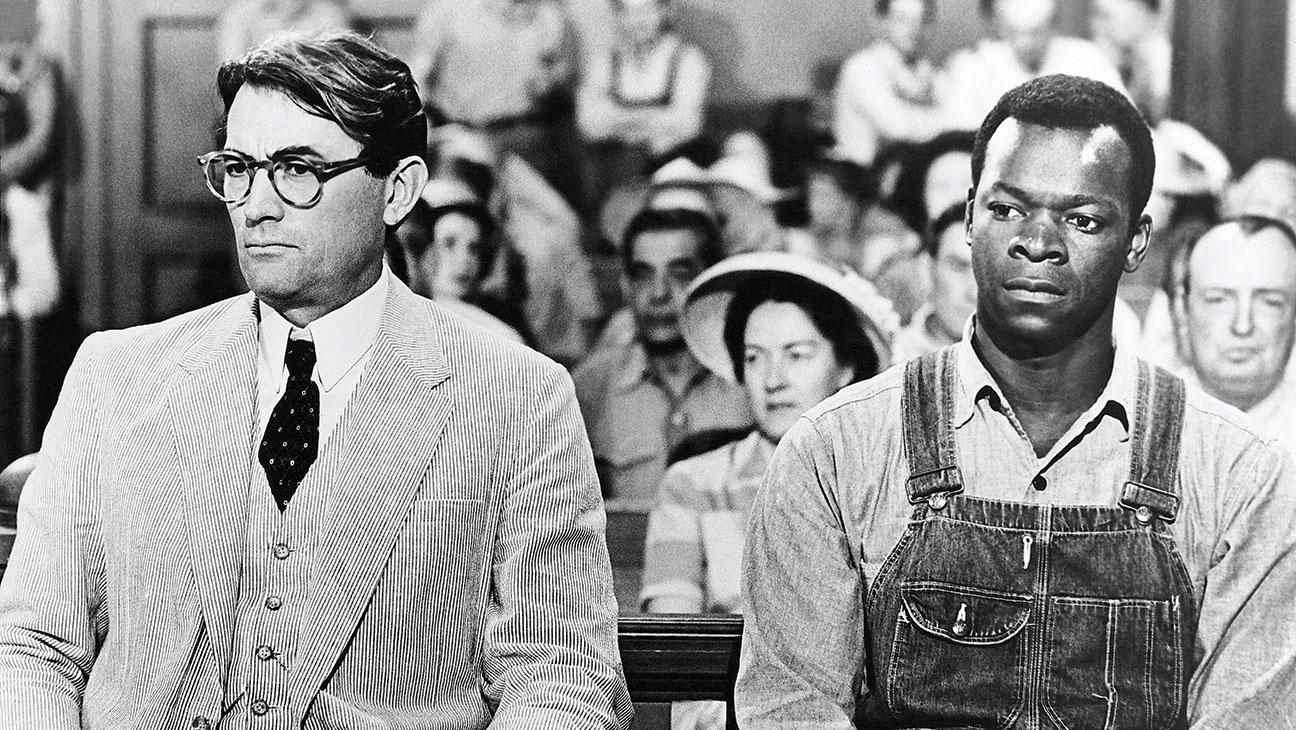 Gregory Peck e Brock Peters in una scena de Il buio oltre la siepe