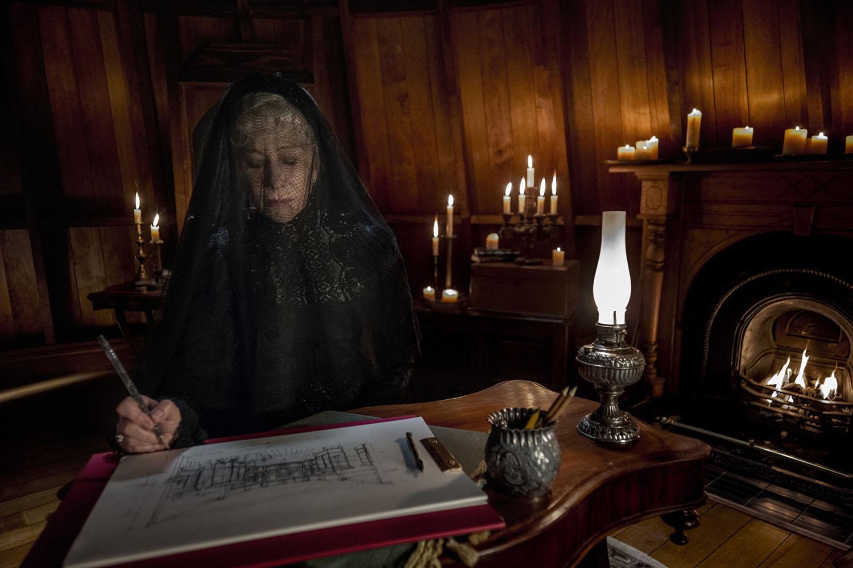 Helen Mirren in una scena de La Vedova Winchester
