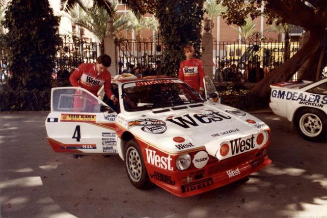 La Lancia Rally, con Carlo Capone sulla destra