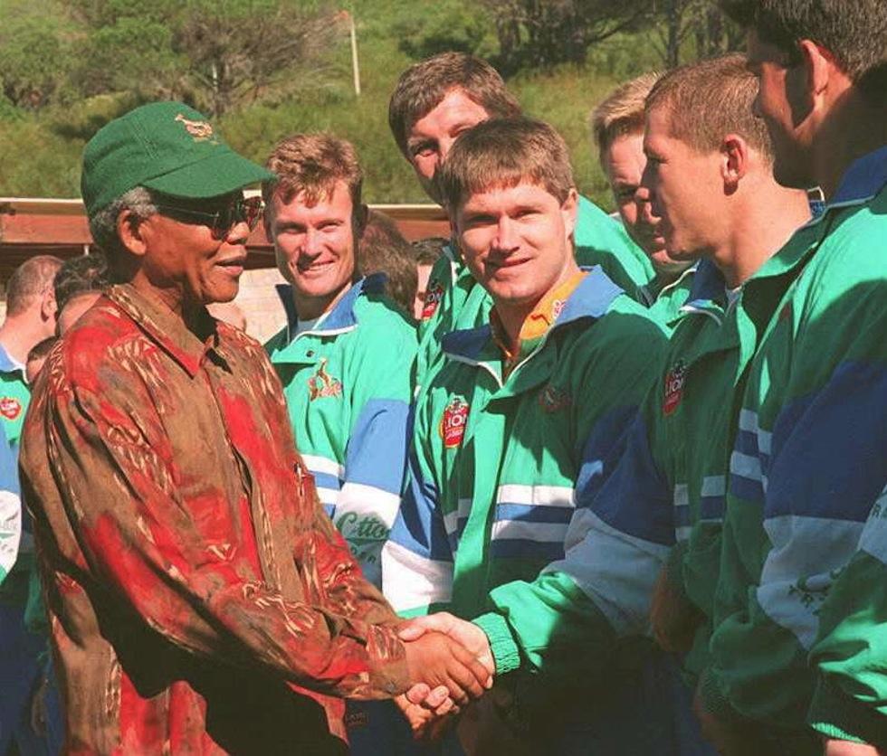 Nelson Mandela in visita nel ritiro degli Springboks Foto credit Gary Bernard