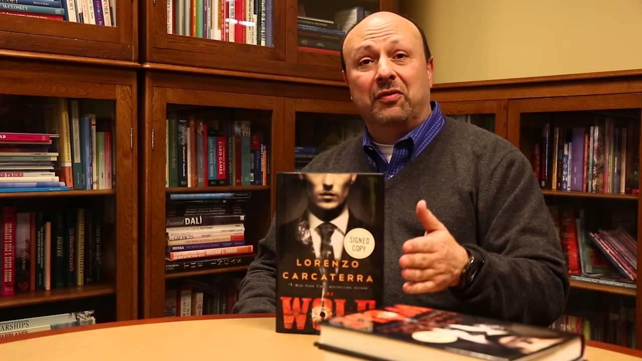Lorenzo Carcaterra con Wolf, un altro suo romanzo
