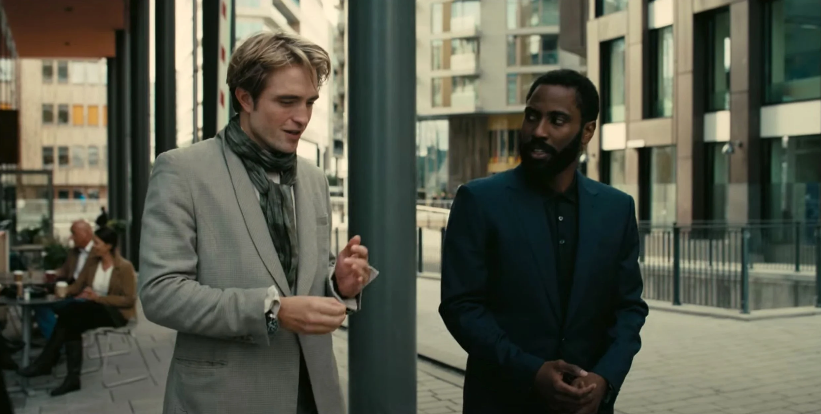 Robert Pattinson e John David Washington in Tenet