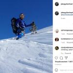 Jake Gyllenhaal che cerca Tom Holland sulla neve...