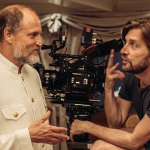 Woody Harrelson e Ruben Östlund sul set di Triangle of Sadness
