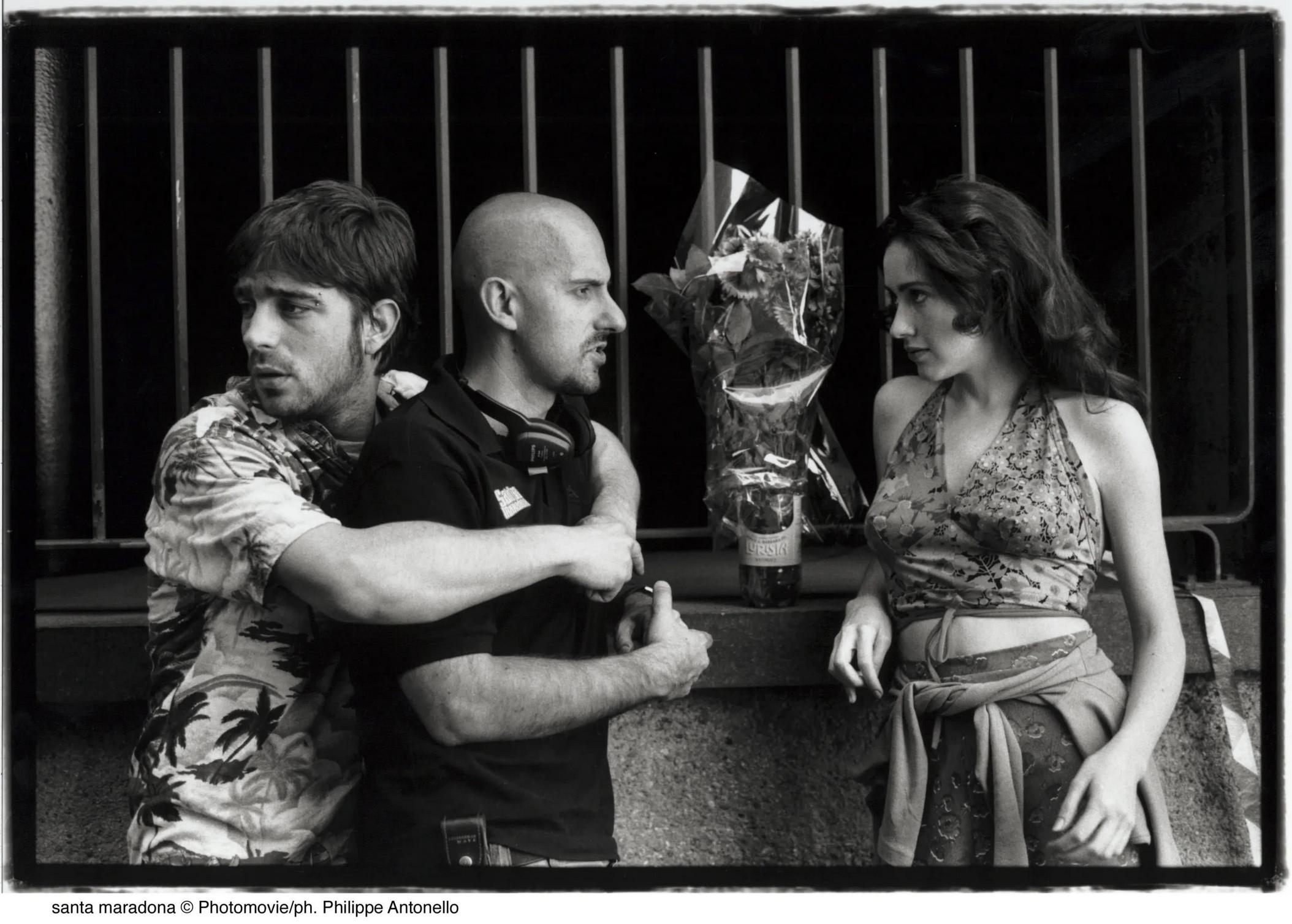 Libero, Marco Ponti e Anita Caprioli sul set di Santa Maradona