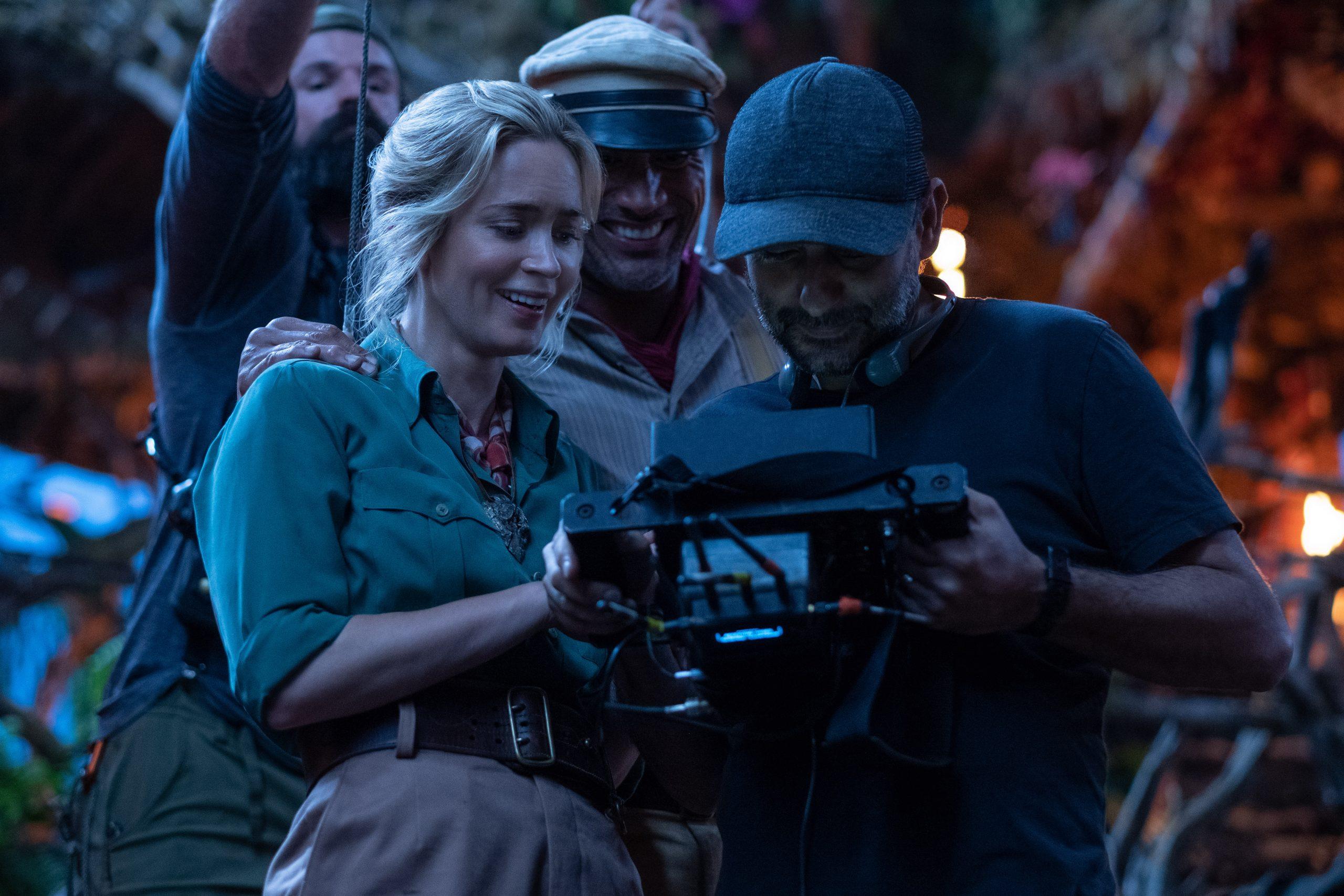 Emily Blunt, Dwayne Johnson e Jaume Collet-Serra sul set di Jungle Cruise