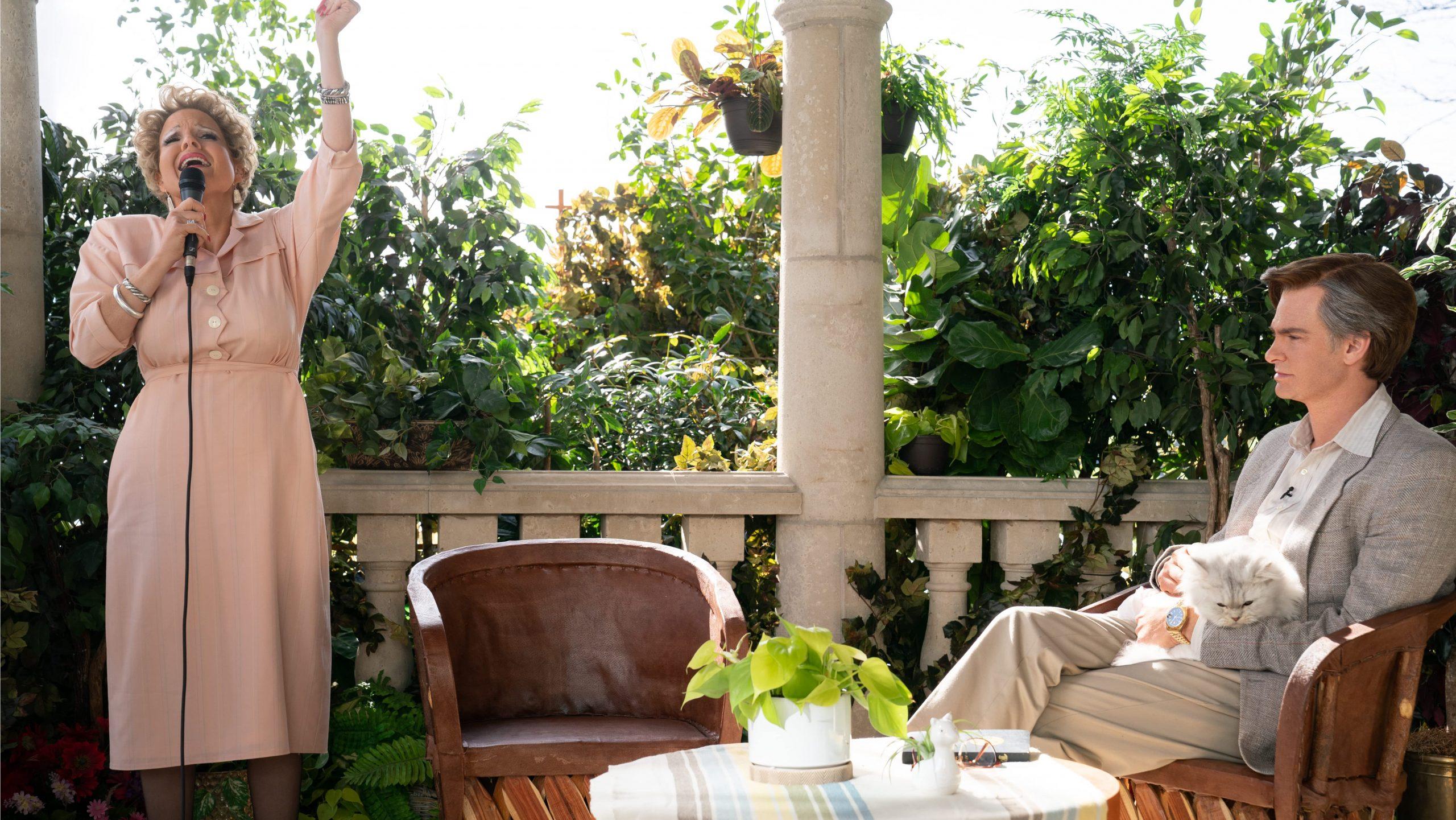 Jessica Chastain e Andrew Garfield in Gli Occhi di Tammy Faye