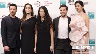 Richard Madden, Angelina Jolie, Chloé Zhao, Kit Harington e Gemma Chan