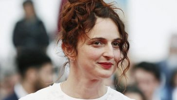 Alice Rohrwacher on the red carpet at Cannes71.