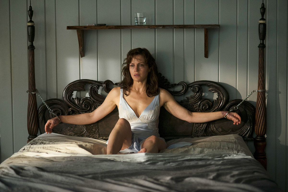 Carla Gugino in a scene from Gerald's Game.