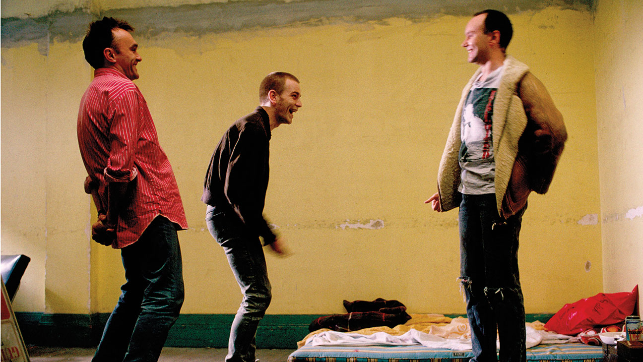 Danny Boyle, Ewan McGregor and Irvine Welsh on Trainspotting set.