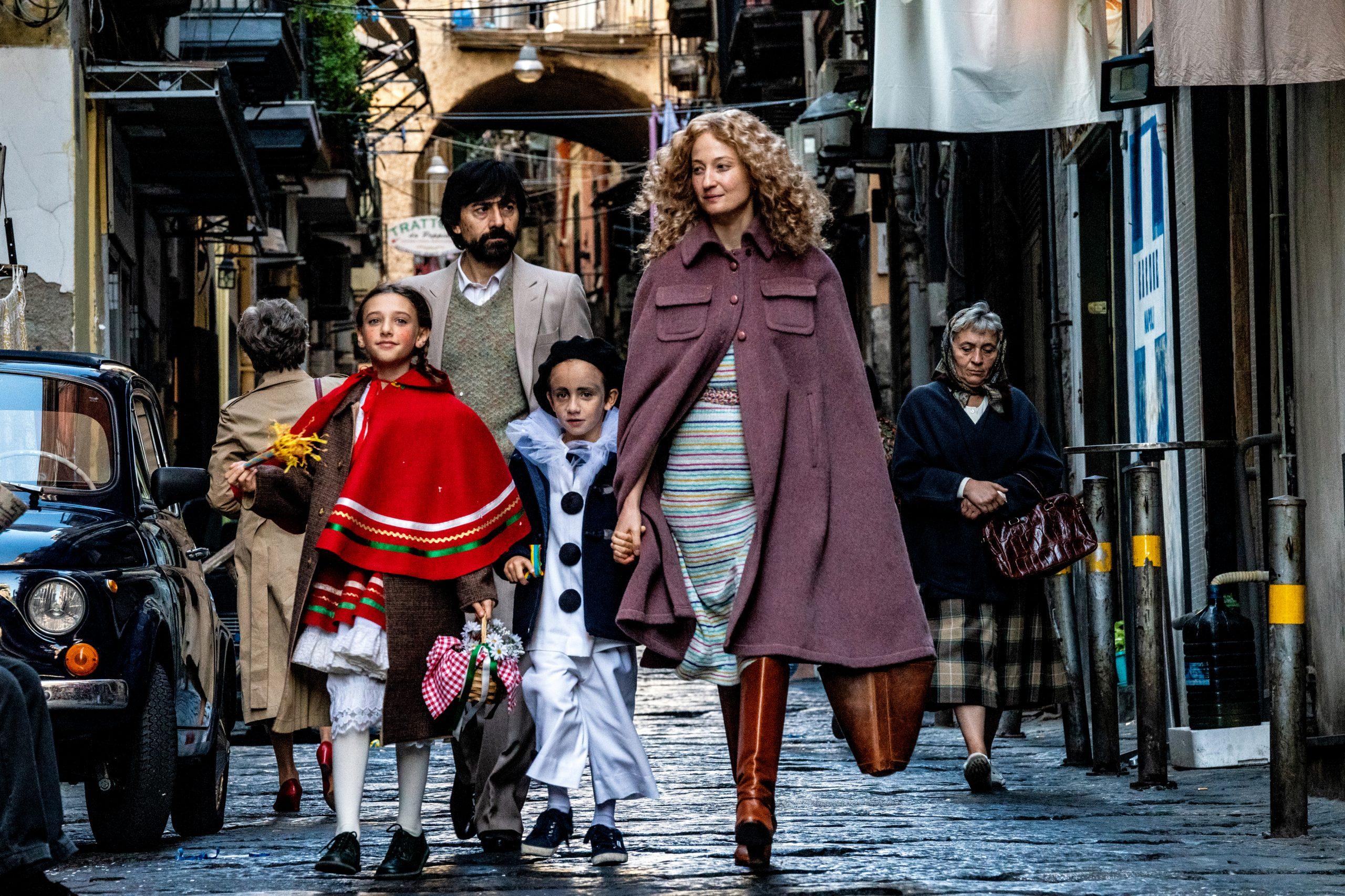 """Set of """"Lacci"""" by Daniele Luchetti. in the picture  Luigi Lo Cascio, Alba Rohrwacher, Giulia De Luca and Joshua Cerciello. Photo by Gianni Fiorito"""